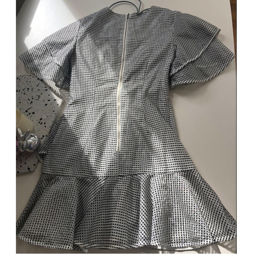KEEPSAKE - Eclipse Dress Colour: Ivory Check Size:Small (8)