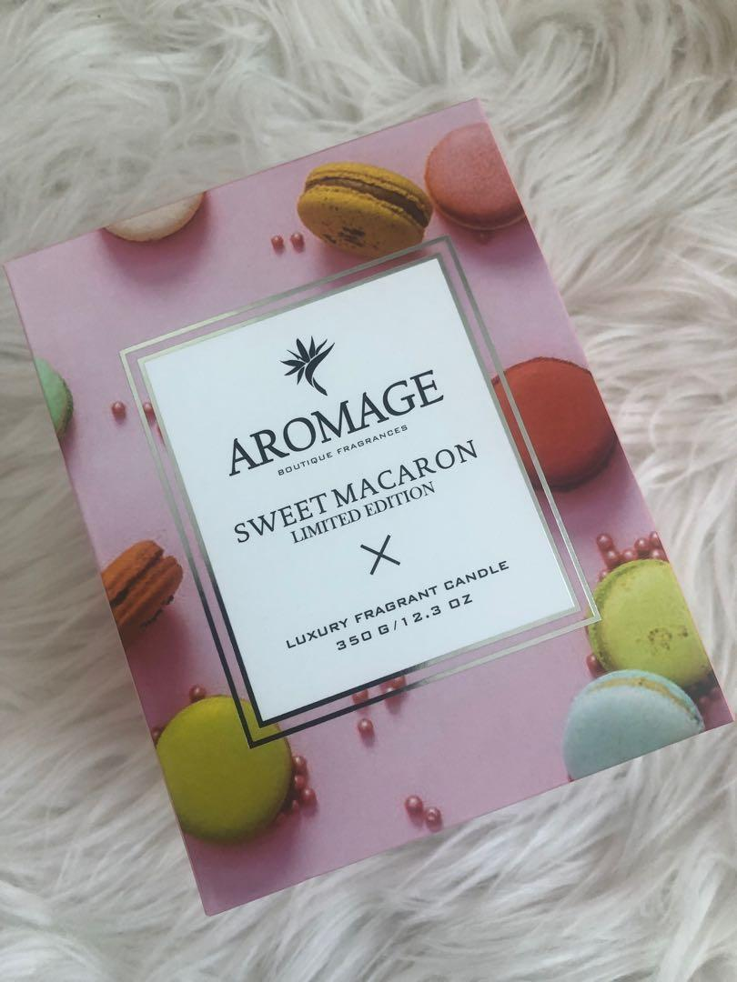 Large Macaron scented candle