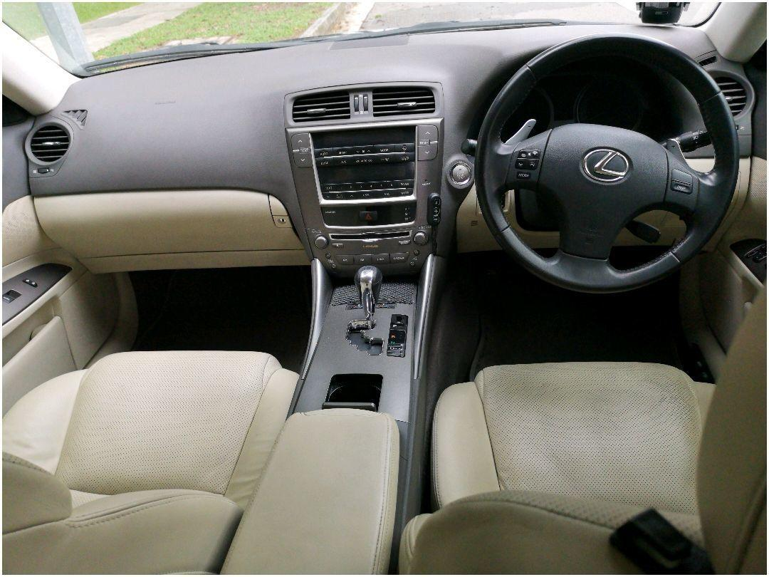 Lexus 250 Standard Sunroof Auto