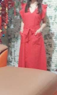 Dress v merah