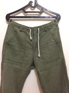 UNIQLO Celana Panjang Rileks - Hijau Olive