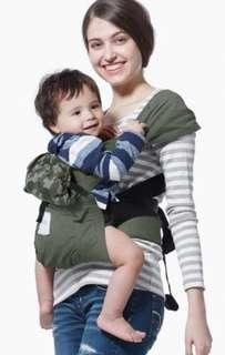 🚚 mamaway媽媽餵 Hugaroo育兒背帶 嬰兒揹帶 全新 迷彩墨綠 彌月送禮好選擇