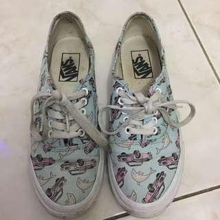 Vans Shoes (with box-need wash)