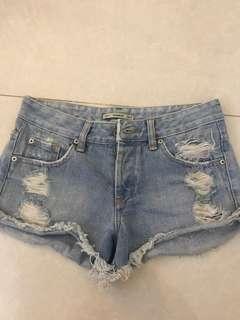 pull&bear mid rise shorts