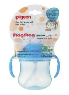 🚚 Pigeon Mag Mag Straw Water Bottle with Handles in Blue. 200ml. Infant Toddler.