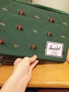 全新Herschel電腦袋