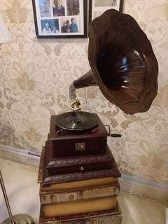 Antique gramophone (My Masters Voice)