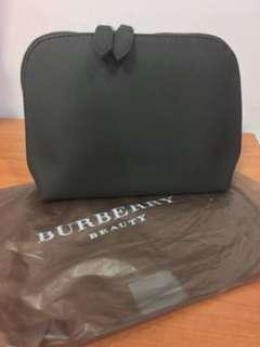 🚚 Burberry cosmetics pouch