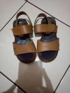 Sepatu yongkidz 2-3th
