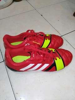Authentic Adidas soccer boot UK 4