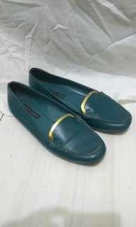 Charles and keith auth