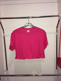 BRIGHT PINK CROPPED TEE