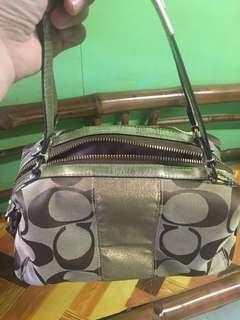 💯% COACH HAND BAG