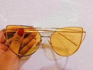 (inc pos) Yellow Tinted Sunglasses Love Punch