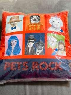Fortress x pets rock Cushion絨毛咕𠱸連芯