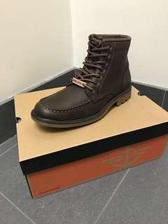 Dockers Molly Whiskey Boots size 8.5 BNIB