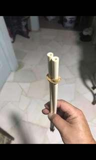 Fake ivory fork for hui bee cage