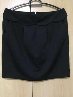 🚚 Black Office Skirt