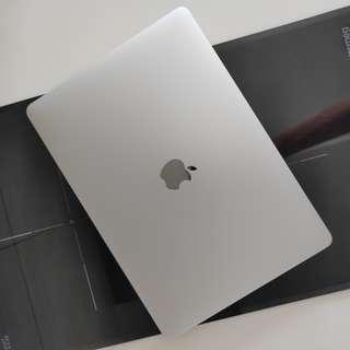 MacBook Pro 8G 256G Without TouchBar