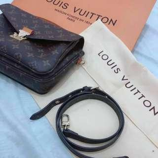 LV Pochette Metis Premium Quality (NO ISSUES) (Now 1k only!)