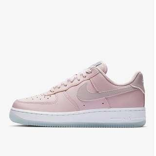 online store 7ea3b 6196a NEW Nike Air Force 1  07 in Pink