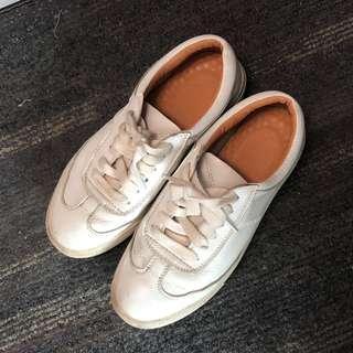 真皮運動鞋