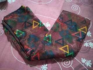 Kerudung motif segitiga