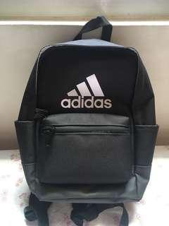 Adidas 愛迪達 黑色迷你後背包 運動後背包