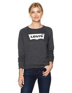 🚚 Levis sweater/pullover