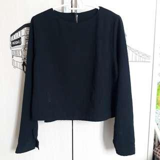 Black Blouse / blus hitam crop top