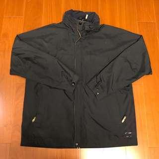 (Size XL) Jordon Gore-Tex 黑色防風防水連帽外套