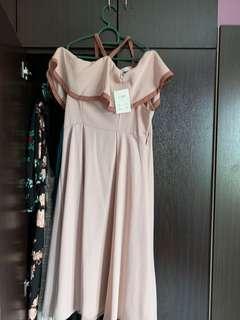 🚚 Dusty pink Off Shoulder Dress