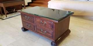 🚚 Antique Coffee Table with glass top