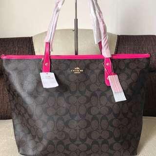 3fd7f0b3313 Coach Tote Bag... Brand New