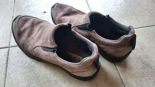 Preloved Cabela's Men Shoes Size US 9