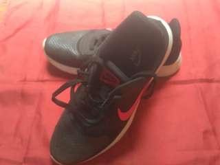 Nike shoes black
