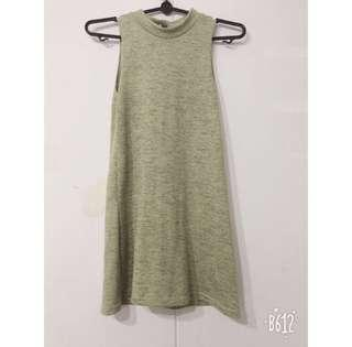 Sleeveless Green basic dress