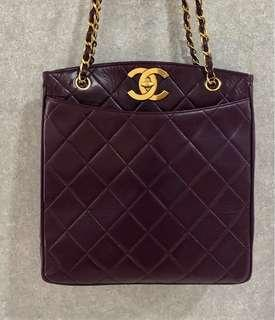 Authentic Chanel vintage Lambskin big logo