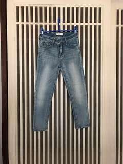 A&F 七分淺藍刷色牛仔褲 26