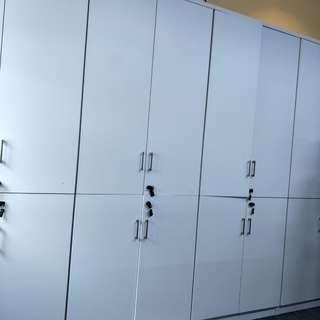 🚚 White Cabinet [Sale]