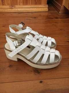 White platform sandals Windsor smith