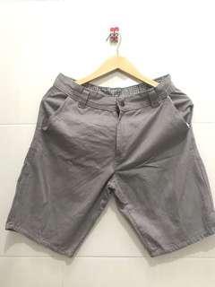 Celana Pendek Cowok size 31