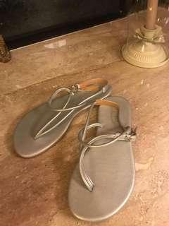 [全新]女神露趾平底鞋