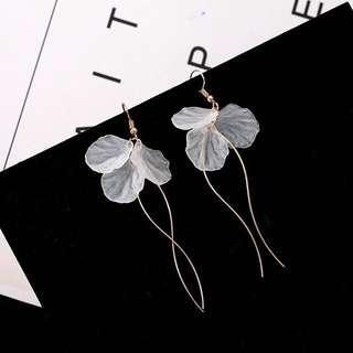 🚚 Korean Long Petal Tassels Earrings