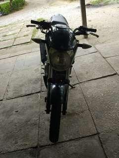 Yamaha fzi 150 (2015)