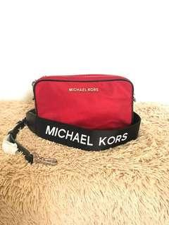 Michael kors connie camera bag