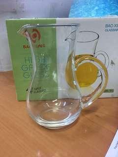 Glasses jug