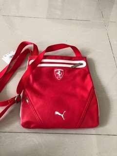 🚚 Ferrari official licence bag