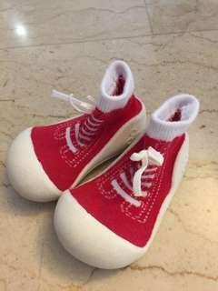 🚚 Attipas shoes
