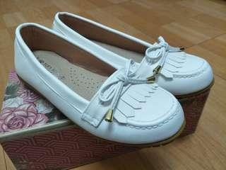 富發牌豆豆鞋
